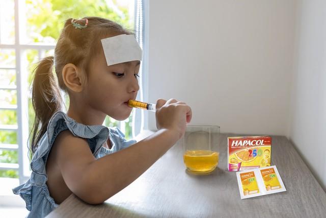 Vì sao các mẹ chọn Hapacol 250 cho trẻ khi sốt? - Ảnh 1.