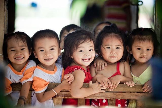 Mất cân bằng giới tính khi sinh: Nghịch lý gia tăng ở nhóm có trình độ và giàu - Ảnh 1.