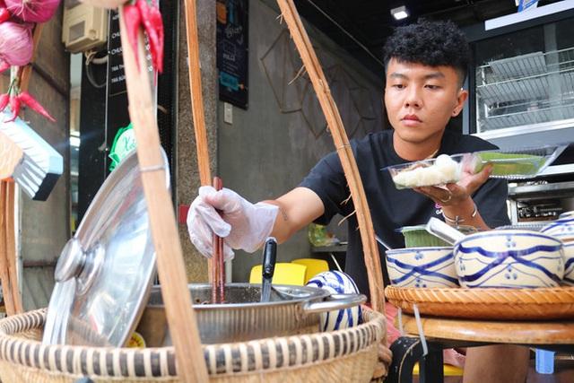 Người Sài Gòn ăn món lạ của chàng trai 9x mất 3 tháng để học kho cá - Ảnh 5.