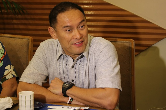 Con trai tỷ phú Philippines chết vì chơi bóng rổ - Ảnh 1.