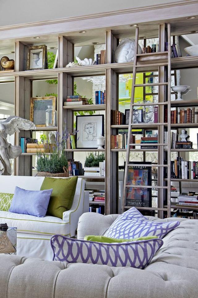 14 ý tưởng trang trí cho giá sách của bạn nổi bần bật trong không gian nhà ở - Ảnh 12.
