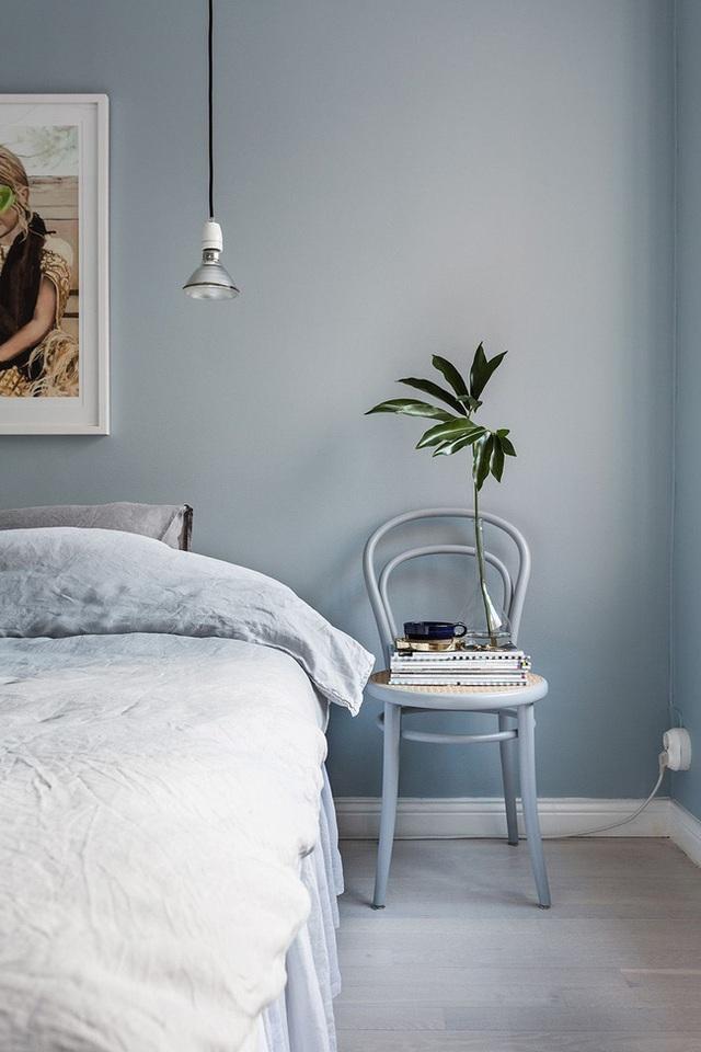 14 ý tưởng trang trí cho giá sách của bạn nổi bần bật trong không gian nhà ở - Ảnh 4.