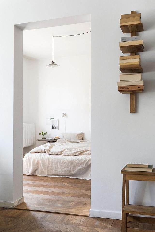 14 ý tưởng trang trí cho giá sách của bạn nổi bần bật trong không gian nhà ở - Ảnh 6.