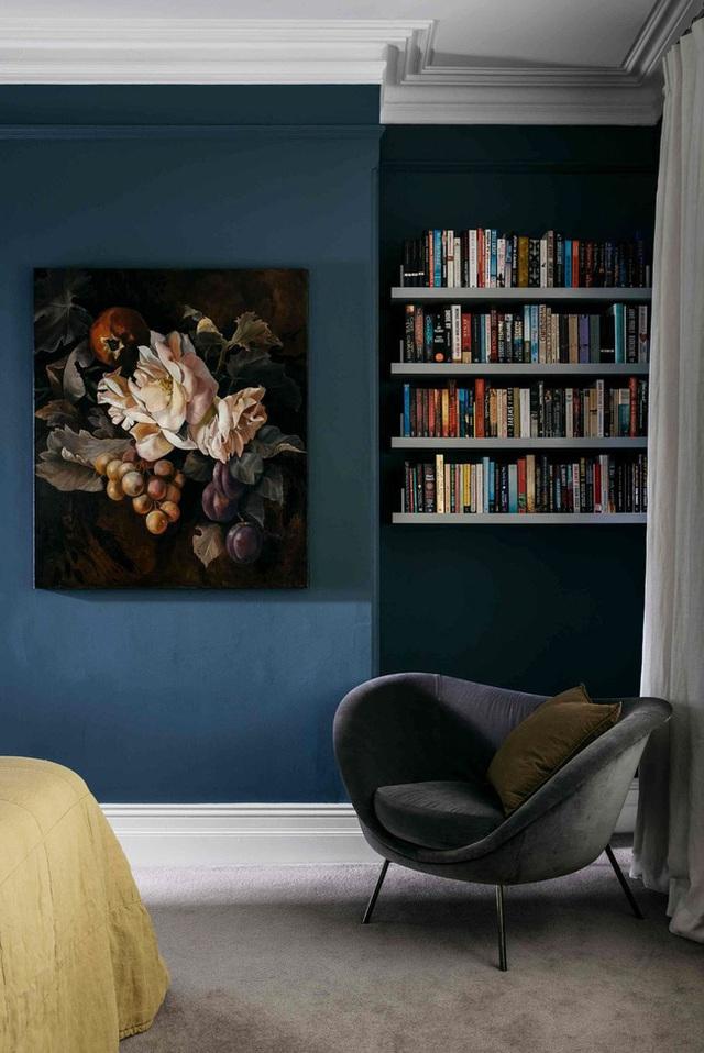 14 ý tưởng trang trí cho giá sách của bạn nổi bần bật trong không gian nhà ở - Ảnh 8.