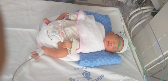 Hải Phòng: Bà mẹ 4 con nguy kịch vì tai nạn giao thông, thai nhi phải chào đời sớm - Ảnh 1.