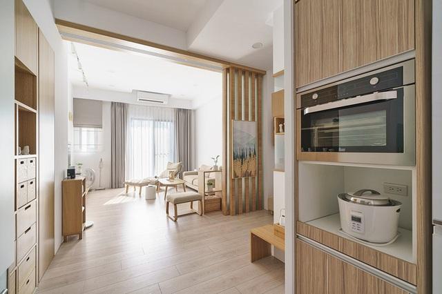 Vợ chồng trẻ sử dụng hệ thống nội thất thông minh, kết nối cảm biến giúp căn hộ trở nên khoa học hơn - Ảnh 2.
