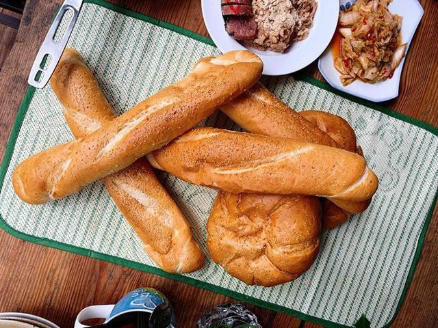 Ai như đại gia Đức An, đi nghỉ dưỡng vẫn vào bếp làm bữa đẹp như mơ cho vợ con  - Ảnh 3.