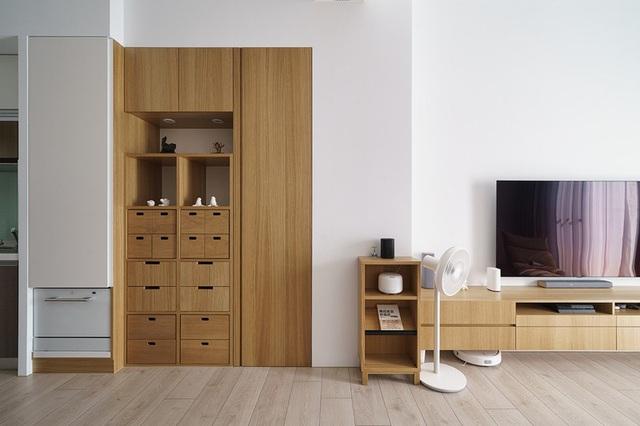 Vợ chồng trẻ sử dụng hệ thống nội thất thông minh, kết nối cảm biến giúp căn hộ trở nên khoa học hơn - Ảnh 4.