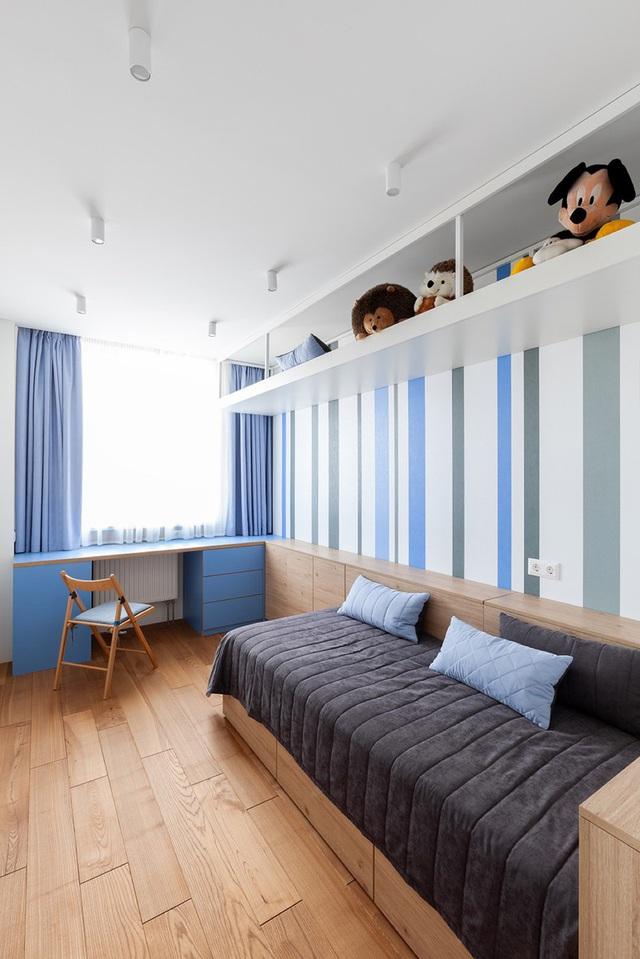 Ngôi nhà rộng tới 190m2 nhưng giao chủ tối đa hóa diện tích để dành chỗ cho trẻ chơi đùa - Ảnh 10.