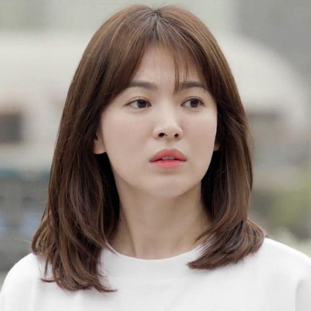 """Loạt bí kíp của Song Hye Kyo giúp các quý cô rút được """"cả tá"""" chiêu skincare đúng chuẩn - Ảnh 2."""