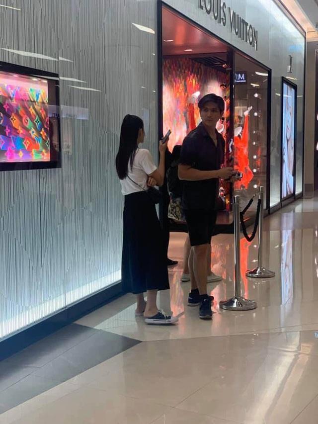 Tim và Trương Quỳnh Anh bị bắt gặp sánh đôi ở Thái Lan - Ảnh 2.