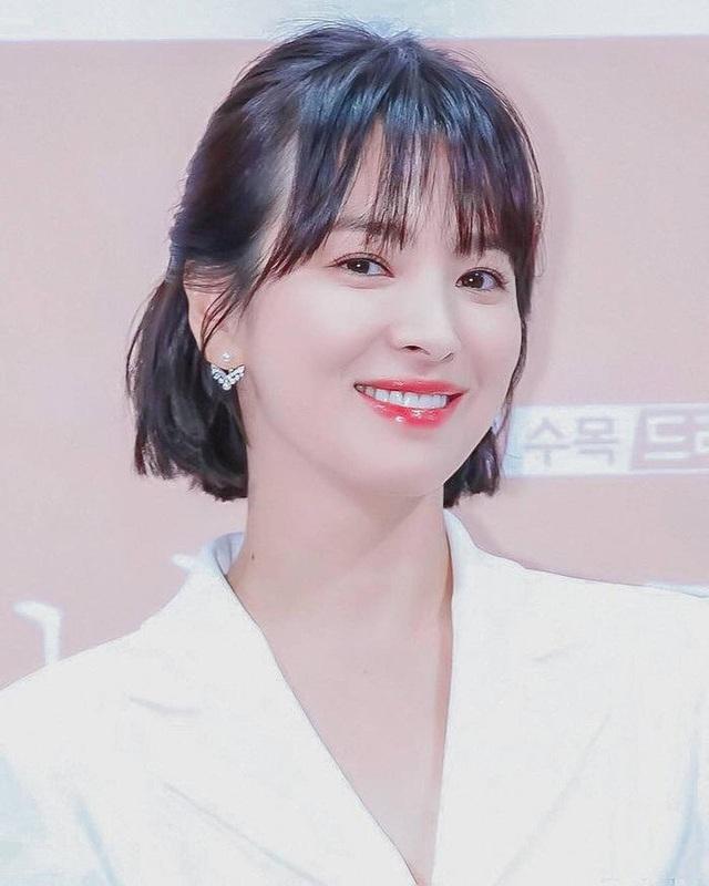 """Loạt bí kíp của Song Hye Kyo giúp các quý cô rút được """"cả tá"""" chiêu skincare đúng chuẩn - Ảnh 5."""