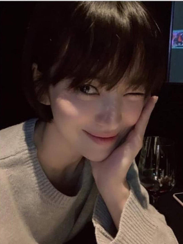 """Loạt bí kíp của Song Hye Kyo giúp các quý cô rút được """"cả tá"""" chiêu skincare đúng chuẩn - Ảnh 6."""