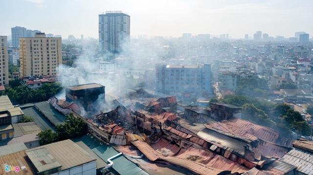 Sớm di dời các nhà máy, xí nghiệp dễ cháy nổ ra khỏi khu dân cư - Ảnh 1.
