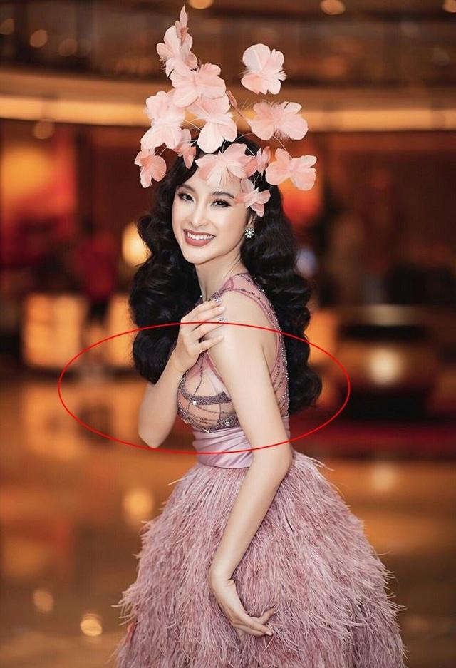 Đang hóa nữ thần gợi cảm, mỹ nhân Việt lại muối mặt vì miếng dán ngực phản chủ - Ảnh 2.