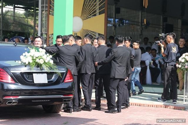 Bảo Thy làm lễ cưới ở nhà thờ - Ảnh 3.