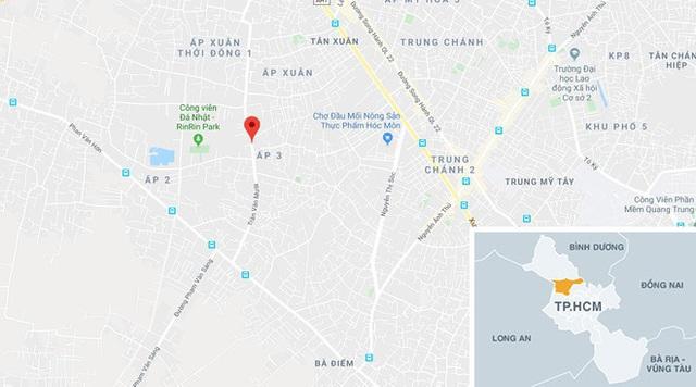 Khoảnh khắc đối diện họng súng của tên cướp tiệm vàng ở TP.HCM - Ảnh 2.