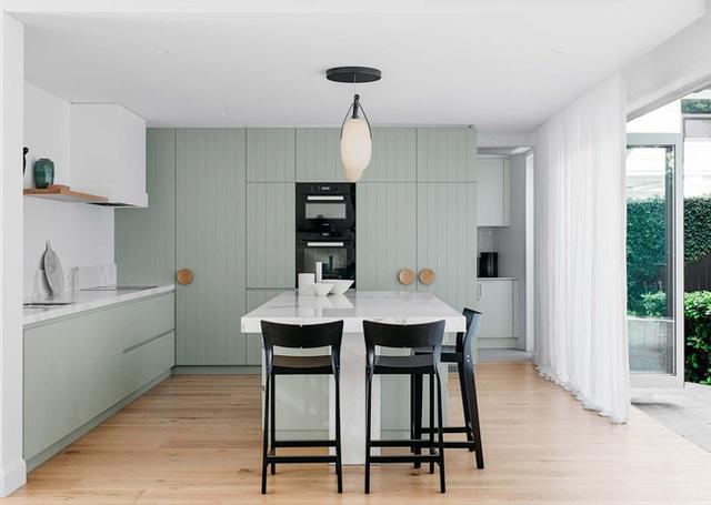 15 mẫu thiết kế nhà bếp mới toanh, vô cùng bắt mắt khiến bạn có cảm hứng đứng bếp nấu nướng mỗi ngày - Ảnh 12.