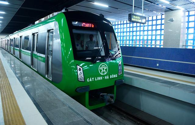 Hàng trăm nhân viên đường sắt Cát Linh - Hà Đông bỏ việc  - Ảnh 2.