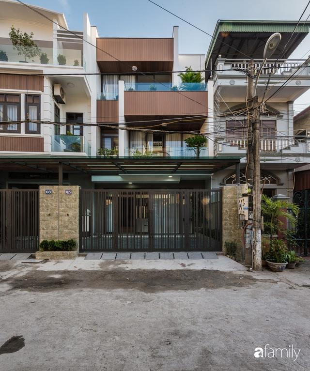 Ngôi nhà bố dành tặng con trai được thiết kế theo phong cách tối giản với những khoảng xanh bắt mắt ở Quảng Ninh - Ảnh 1.