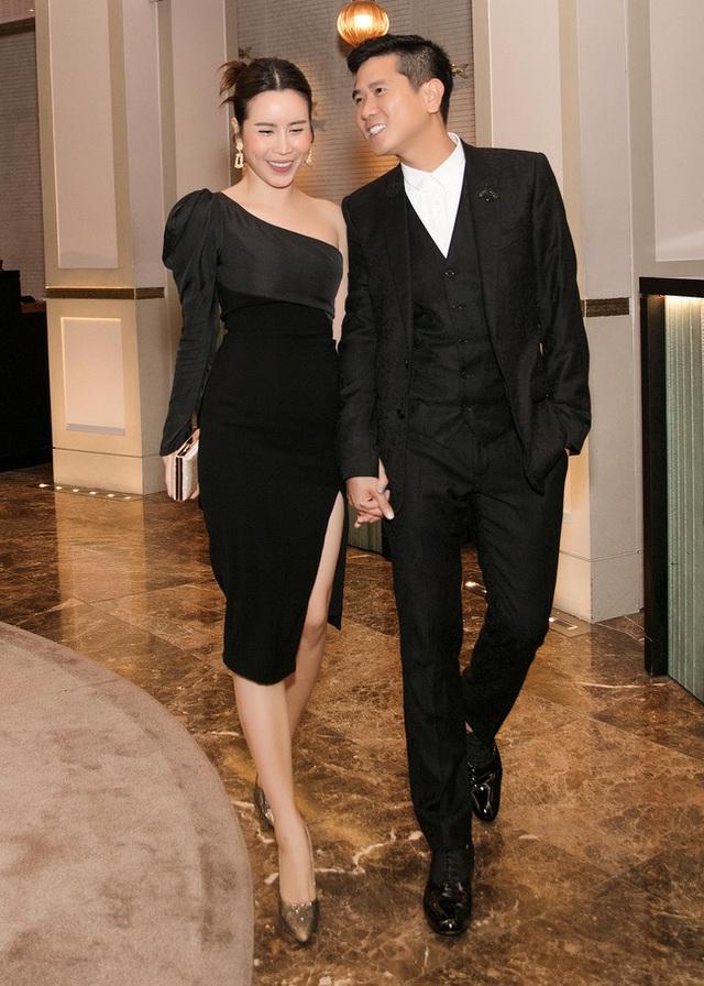 Vượt qua sóng gió hôn nhân, Hồ Hoài Anh - Lưu Hương Giang tay trong tay đi đám cưới Giang Hồng Ngọc  - Ảnh 4.