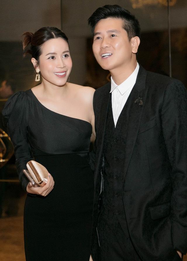 Vượt qua sóng gió hôn nhân, Hồ Hoài Anh - Lưu Hương Giang tay trong tay đi đám cưới Giang Hồng Ngọc  - Ảnh 7.