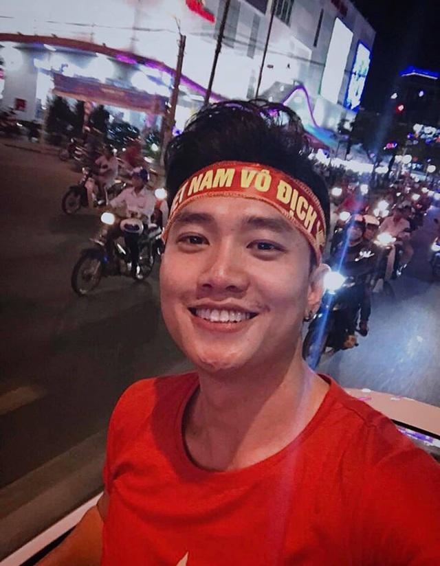 """2 trai hư của """"Về nhà đi con dự đoán Việt Nam thắng đậm Thái Lan - Ảnh 1."""