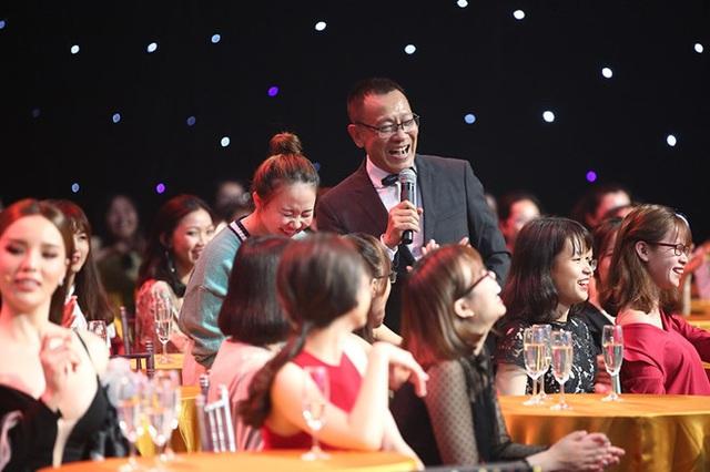 Lại Văn Sâm sau 2 năm về hưu đắt show, thu nhập cao hơn đương chức - Ảnh 1.