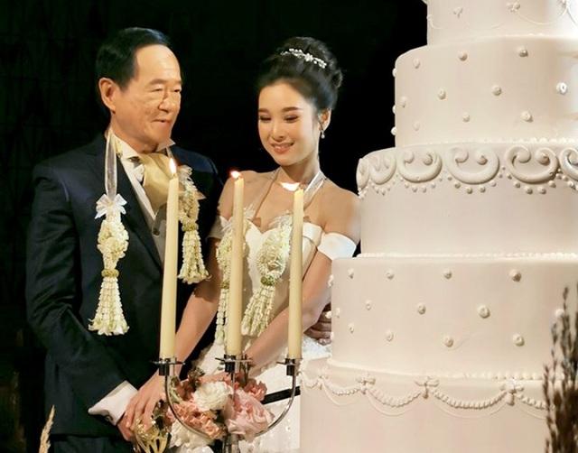 Đại gia 70 tuổi lần đầu lấy vợ kém 50 tuổi  - Ảnh 1.