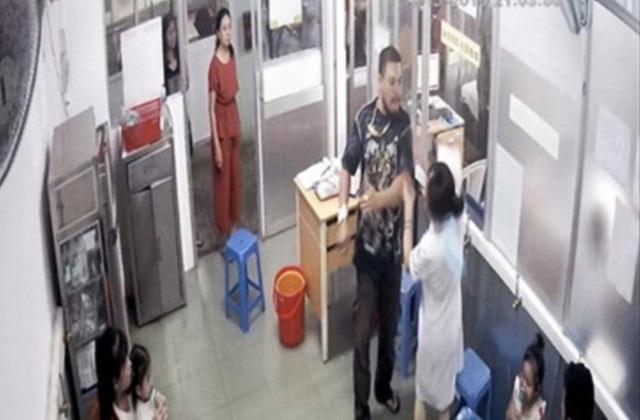 TP.HCM: Nhắc nhở bệnh nhi nhường chỗ cho người khác, nữ điều dưỡng Bệnh viện Nhi Đồng 1 bị cha cháu bé hành hung - Ảnh 3.