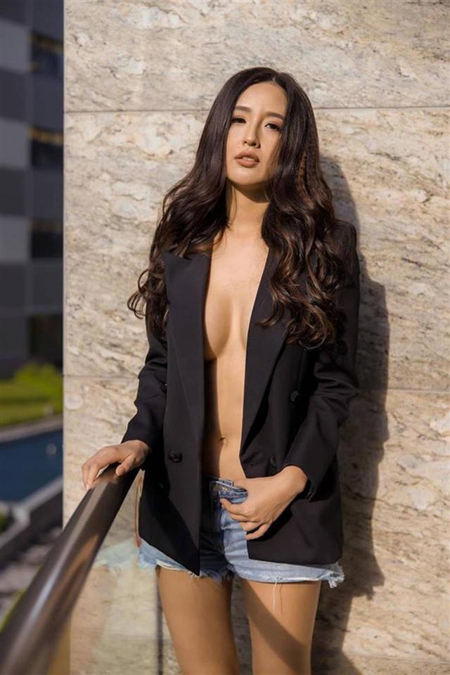 Hình ảnh sexy tới nghẹn thở của HH Mai Phương Thúy khiến cô phải xin rút kinh nghiệm - Ảnh 2.