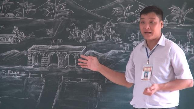 Những tác phẩm nghệ thuật từ phấn trắng của thầy giáo xứ Thanh gây sốt - Ảnh 4.