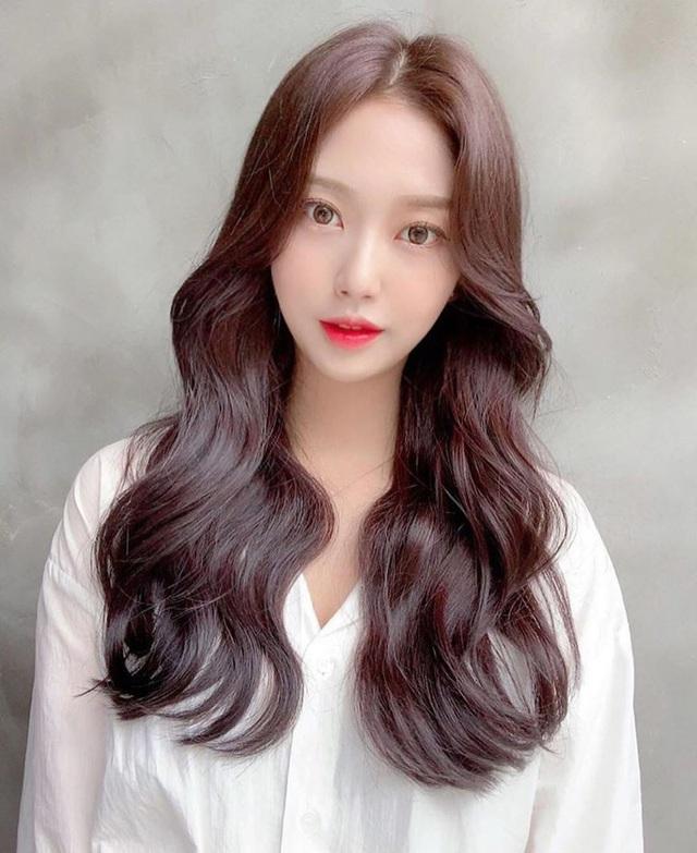 """5 kiểu tóc ngắn và 5 kiểu tóc dài cực nịnh mặt lại chẳng bao giờ lỗi mốt có thể """"quẩy"""" luôn không cần suy nghĩ - Ảnh 7."""