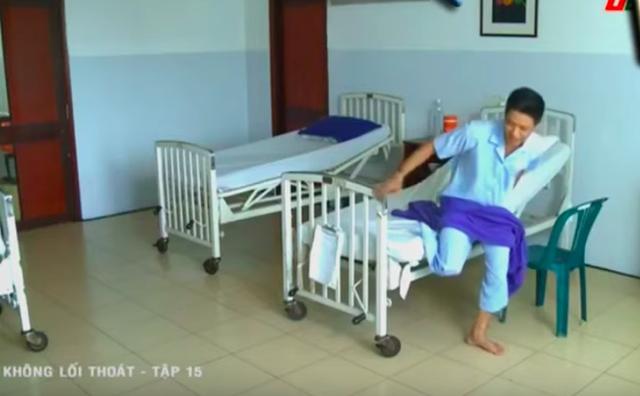 Không lối thoát tập 15: Giết người chưa đủ, bác sĩ Minh còn gài bẫy khiến bệnh nhân phải cưa chân và nhảy lầu tự sát - Ảnh 5.
