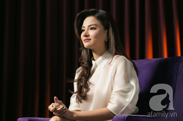 Vũ Thu Phương: Lấy chồng đại gia Campuchia, nuôi 2 con riêng, có mâu thuẫn là mời mẹ chồng - em chồng ra nói chuyện  - Ảnh 5.