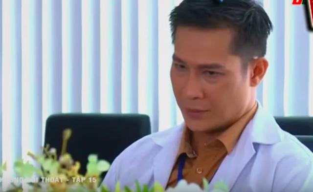 Không lối thoát tập 15: Giết người chưa đủ, bác sĩ Minh còn gài bẫy khiến bệnh nhân phải cưa chân và nhảy lầu tự sát - Ảnh 8.