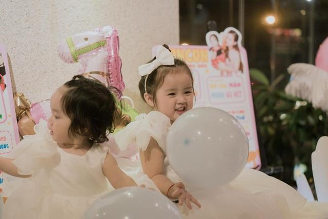 Hai con gái siêu đáng yêu của Hoài Lâm - Ảnh 1.