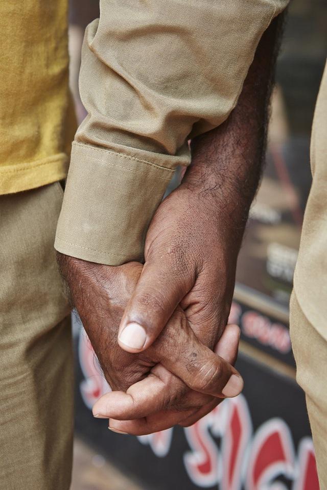 Vì sao đàn ông Ấn Độ thường nắm tay nhau mỗi khi ra đường? - Ảnh 3.