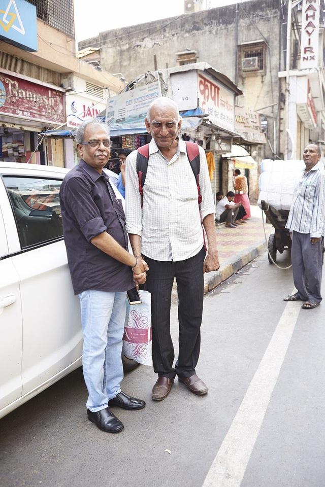 Vì sao đàn ông Ấn Độ thường nắm tay nhau mỗi khi ra đường? - Ảnh 12.