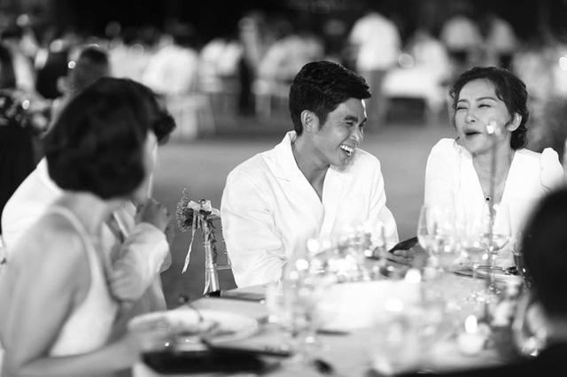 10 ngày sau đám cưới cổ tích, Đông Nhi bất ngờ tung loạt khoảnh khắc đáng nhớ với đủ các cung bậc cảm xúc cùng dàn khách mời đình đám - Ảnh 19.