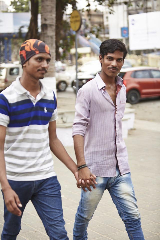 Vì sao đàn ông Ấn Độ thường nắm tay nhau mỗi khi ra đường? - Ảnh 6.