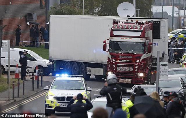 Hà Lan điều tra đường đi của 1 nạn nhân vụ 39 người Việt chết trong xe container tại Anh  - Ảnh 1.