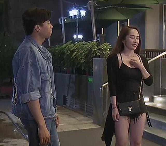 Quỳnh Nga chuộng mặc hở từ phim đến đời thường - Ảnh 11.