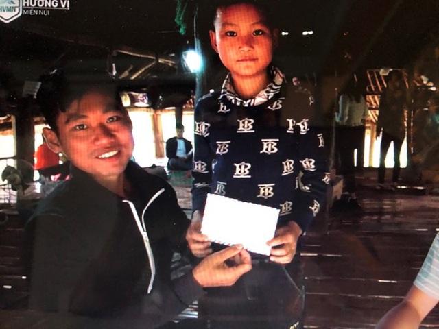"""Cận cảnh cuộc sống mới của cậu bé """"cô độc trong rừng"""" ở Tuyên Quang - Ảnh 7."""