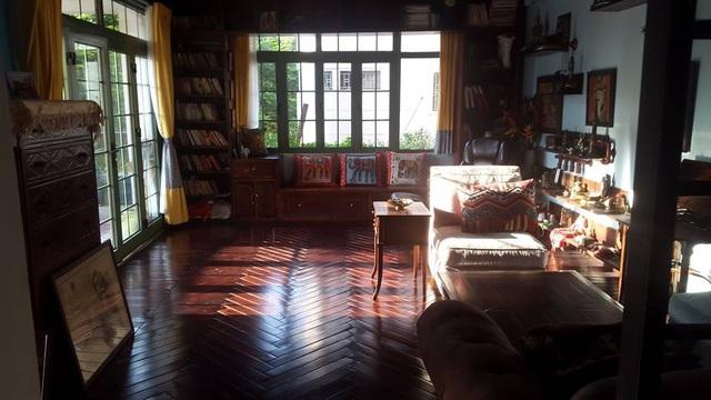 Trước khi chuyển về căn hộ hiện tại, NTK Lek Chi từng sống trong ngôi nhà siêu lãng mạn ai đi qua cũng phải ngước nhìn ở Hồ Tây - Ảnh 18.