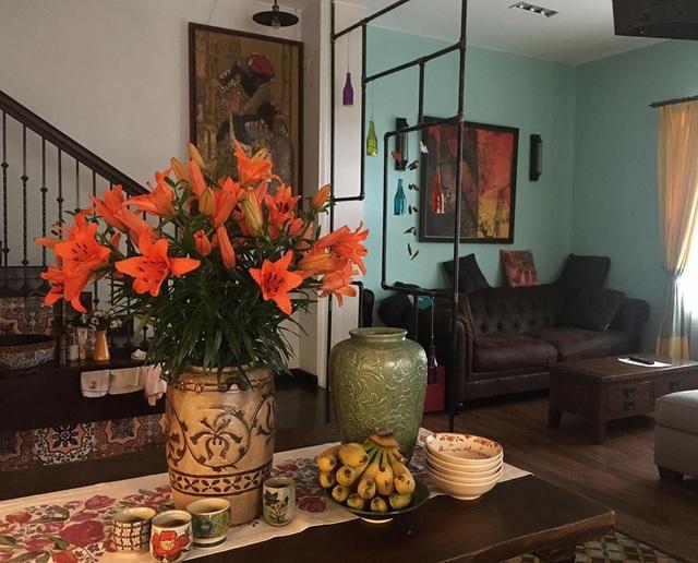 Trước khi chuyển về căn hộ hiện tại, NTK Lek Chi từng sống trong ngôi nhà siêu lãng mạn ai đi qua cũng phải ngước nhìn ở Hồ Tây - Ảnh 9.