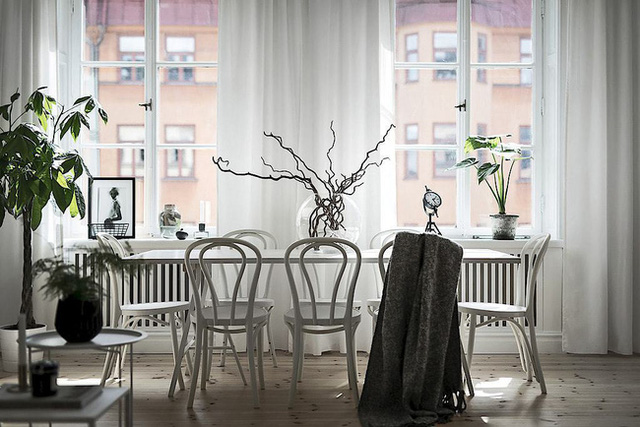 Căn hộ rộng 62m² sử dụng màu trắng là chủ yếu nhưng chẳng hề nhàm chán nhờ cách trang trí có tính thẩm mỹ cao - Ảnh 2.