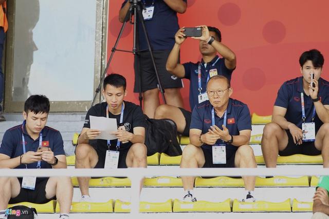HLV Park Hang-seo đến sân nghiên cứu U22 Thái Lan đối đầu Indonesia - Ảnh 2.