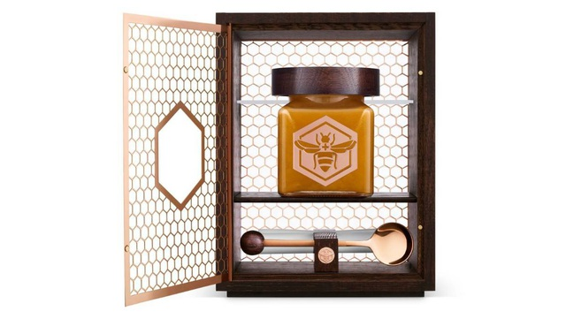 Lọ mật ong bé tý giá 40 triệu đồng được làm từ loại ong gì? - Ảnh 2.