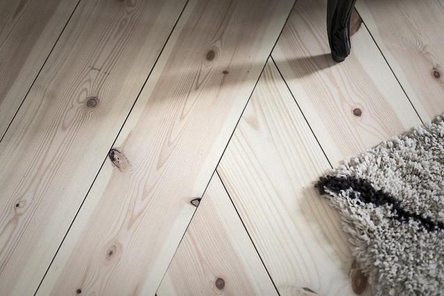 Căn hộ rộng 62m² sử dụng màu trắng là chủ yếu nhưng chẳng hề nhàm chán nhờ cách trang trí có tính thẩm mỹ cao - Ảnh 7.